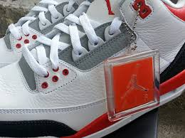 Sortie de la Air Jordan 3 Fire Red Retro 2013 images